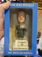 2008  MAYOR MIKE MONCRIEF FORT WORTH CATS BASEBALL BOBBLEHEAD (NEW) autographed