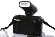 Canon EOS M 18,0 MP kleine digitale Kompakt Kamera + OVP
