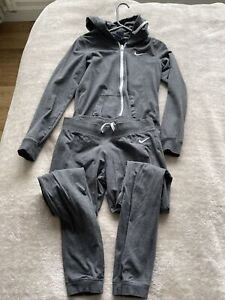 womens nike tracksuit small