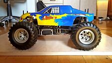 Thunder Tiger SSK 1/10 rc nitro monster truck roller with servos