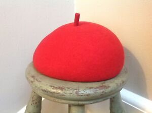 Dereta Red Beret Women Vintage English Elegant 100% Wool Very soft Great Shape