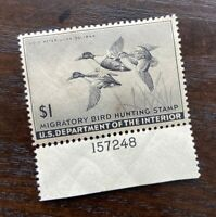 EXCEPTIONAL GENUINE SCOTT #RW12  OG NH 1945 FEDERAL DUCK STAMP
