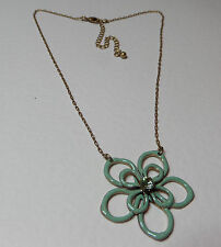 LOVELY LOOPED GREEN ENAMEL FLOWER PENDANT NECKLACE GOLD PLATED glass stone 16""