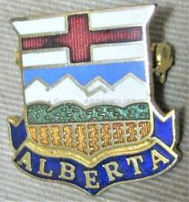 GIRL GUIDES ALBERTA CANADA HAT BADGE / Pin Mint