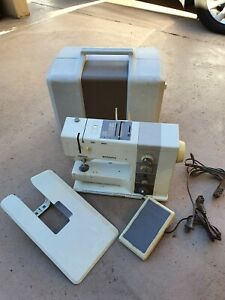 Bernina Record 930 Electronic Sewing machine with case and pedal -for repair
