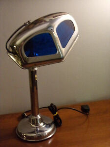 Lampe PIROUETT MOUCHE époque art déco 1930 Articulée à 2 bras, avec un bras téle