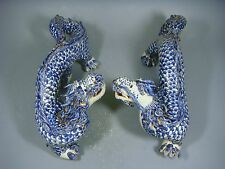 Beautiful Chinese blue and white porcelain a pair loong