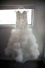 Stunning Demetrios wedding dress 542 size 6-8 REDUCED EVEN FURTHER