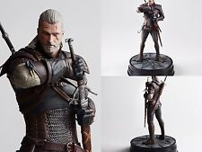 Anime Dark Horse Deluxe The Witcher 3 Wild Hunt Geralt of Rivia Statue Figure