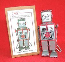 Robot mécanique en tole. Robot gris hauteur 10 cm avec ressort boudin. MS 502A