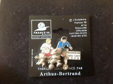 RARE PINS FOOTBALL FRANCE 98 fabrication ARTHUS BERTRAND