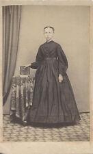 CDV PORTRAIT OF YOUNG WOMAN W/ BOOK   BEAUTIFUL DRESS - NEW HOLLAND, PA