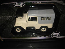 TRIPLE 9 COLLECTION 1.18 DIECAST TOYOTA LAND CRUISER FJ40 SWB BEIGE / GREY ROOF