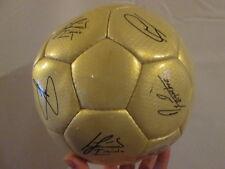 Barcelona 2004-2005 Squad Firmado Oro Pelota De Fútbol Con Coa / Bi