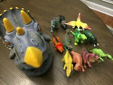 Dinosaur storage container with 11 dinosaur figures toy Lot
