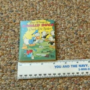 """Walt Disney's """"Donald Duck in the Great Kite Maker"""" Tiny Tales Book  USED"""