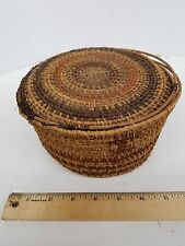 EARLY 1900s OJIBWE OR CHIPPEWA BASKET WITH HINGED TOP