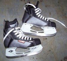 Easton Synergy Bladez Sy60 Hockey Ice Skates, Size 4 youth Used Twice