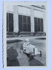06C54 ANCIENNE PHOTOGRAPHIE PHOTO SNAPSHOT VOITURE D'ENFANT A PÉDALES 1933