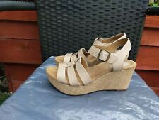 WORN ONCE LADIES NUDE LEATHER WEDGE SANDALS BY CLARKS ARTISAN SIZE 6.5D