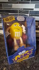 M&M'S YELLOW PEANUT LAY-Z-BOY CHAIR & REMOTE CANDY DISPENSER Brand New Unopened