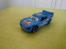 DISNEY PIXAR CARS VOITURE DINOCO McQueen FLASH McQUEEN METAL 1/55 BON ETAT !!