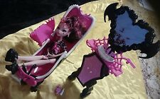 monster high, draculaura powder room and doll