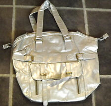 DESIGNER VIMODA FAUX LEATHER (100% PVC) LARGE SILVER TOTE SHOPPING HANDBAG