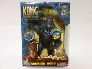 PLAYMATES King Kong The 8th Wonder of the World ROARING KONG Figure