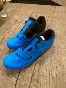 Bontrager Velocis Road Shoe US 12.5 EU 45.5 With 3 Pairs of Blue Shimano Cleats