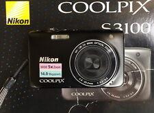 Nikon COOLPIX S3100 14.0MP Digitalkamera + 1GB + Etui - Schwarz