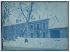 France, Dame posant dans un paysage d'hiver  Vintage print.  cyanotype