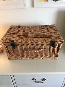 vintage wicker picnic hamper And Leather Straps