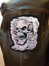 "Patch ecusson  "" tete de mort, assassin gris "" harley,moto;biker,chopper,"