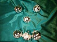 ~ 6 alte Christbaumkugeln Glas silber weiß Weihnachtskugeln Tannenbaumkugeln CBS