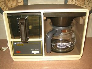 Vintage Black & Decker Under Cabinet SpaceMaker Coffee Maker - Tested and Works!