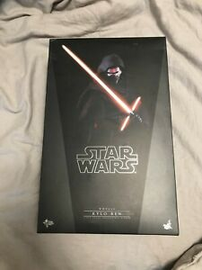 Kylo Ren The Force Awakens Hot Toys 12 Inch Figure **READ DESCRIPTION** MMS320