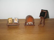 Sylvanian Families vintage TOMY radio, camera, table & photographs