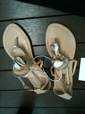 🍀Ladies Sz 7 White & Beige Gladiator Tbar Sandal Thong Brand New