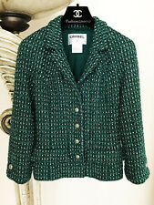 GORGEOUS CHANEL 06C RUNWAY EMERALD GREEN WHITE BOUCLE TWEED JACKET 36