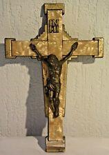 C91 Christ sur croix de nacre