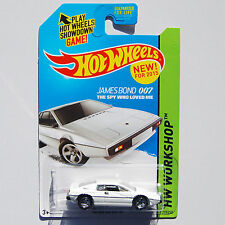 Hot Wheels 77 LOTUS ESPRIT S1 - JAMES BOND 007 Spy Who Loved Me
