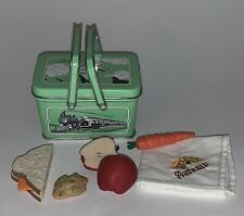 American Girl KIT School Lunch Tin Box 1st Version Complete, Apple Carrot Napkin