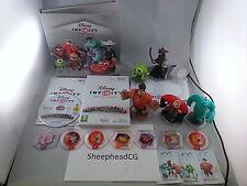 Disney Infinity Wii Bundle -Game, Base, 6 figures, Folder, 7 power Discs + Cards
