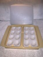 Tupperware Deviled Egg Keeper Carrier Tray Container Harvest Gold 723-3 Vintage