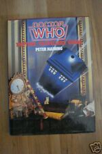 DOCTOR WHO THE TIME TRAVELLERS` GUIDE HBDJ  P HAINING
