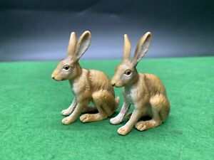 Schleich 2 X Rare Wild Life Sitting Hare Hares Brown Rabbits 14339
