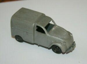 CLE - Citroën 2CV - Miniature ancienne en plastique au 1/48 ( a restaurer )