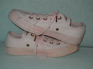 Converse All Star Lo Lux 158416C  Women's Size 6 ---Pink