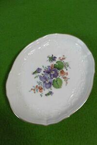 Meissen exklusives ovales Tablett / Schale mit Relief Bunte Blume mit Goldrand !